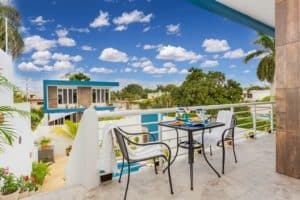 outdoor patio at stingray villa cozumel